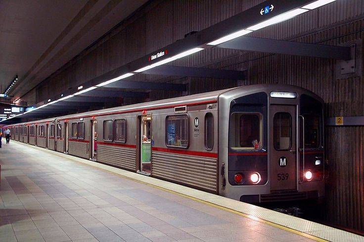 metro rail los angeles   Los Angeles Travel Tips   Guide to Discovering Los Angeles, USA