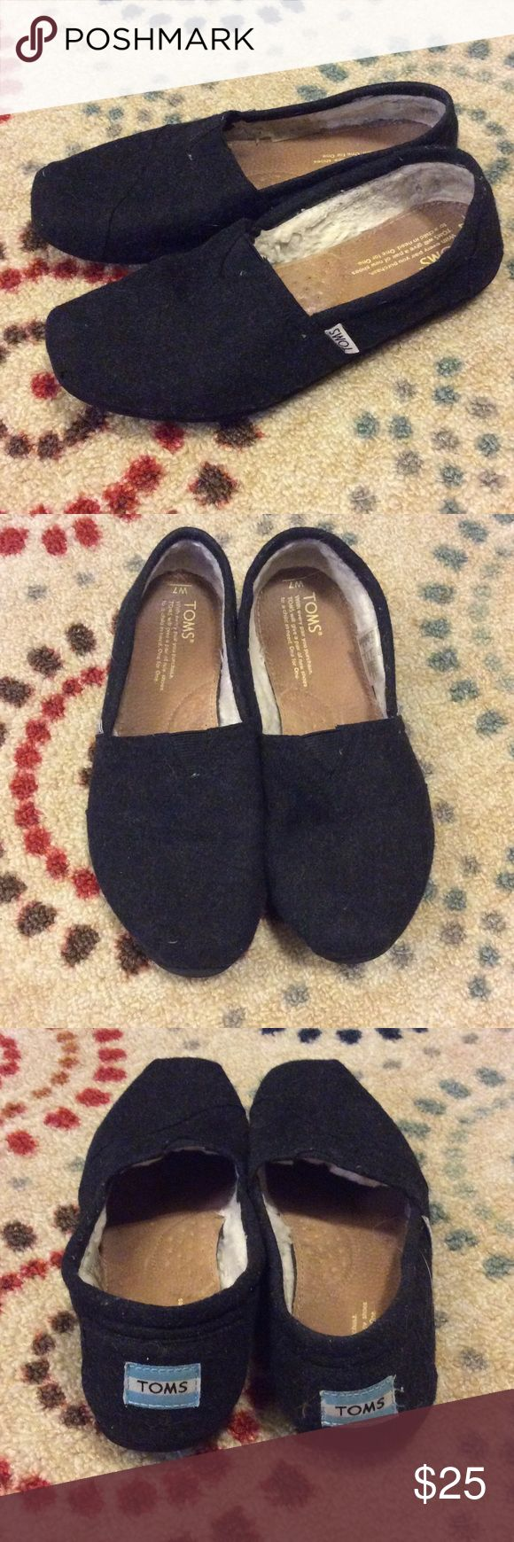 Women's TOMS Shoes Toms shoes in GUC. Black wool exterior with fur interior. TOMS Shoes