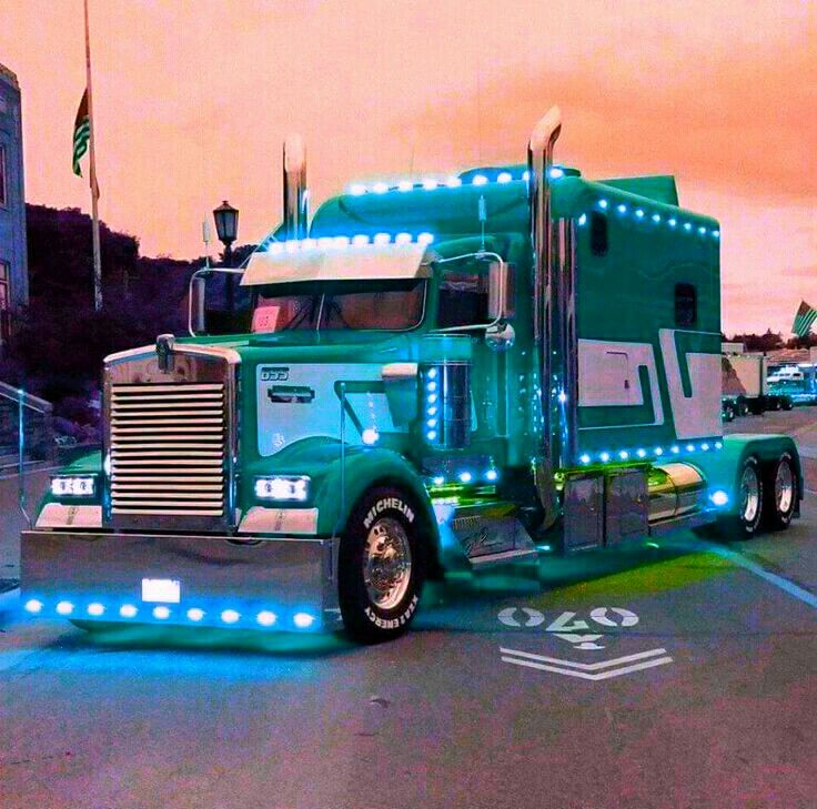 Now that is what you call a gorgeous kenworth