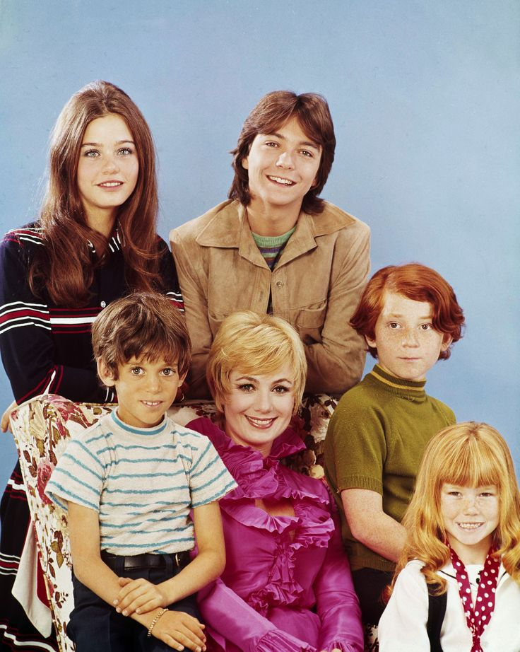 UNITED STATES - JULY 28:  THE PARTRIDGE FAMILY - 'Gallery' 1970 Susan Dey, Jeremy Gelbwaks, David Cassidy, Shirley Jones, Danny Bonaduce, Suzanne Crough  (Photo by ABC Photo Archives/ABC via Getty Images) via @AOL_Lifestyle Read more: https://www.aol.com/article/entertainment/2017/11/24/david-cassidys-daughter-katie-cassidy-shares-final-words/23287639/?a_dgi=aolshare_pinterest#fullscreen