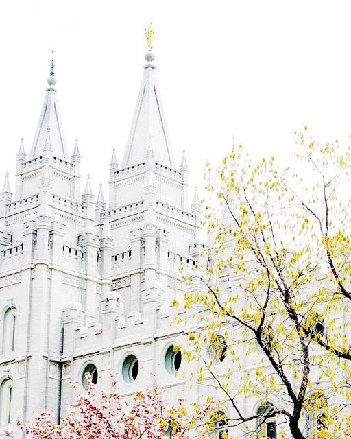 Free LDS temple photographs to print - try the website: http://cariosbornephotography.zenfolio.com/