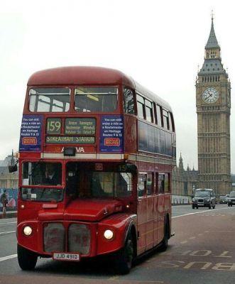 İngiltere - Londra Otobüsleri ve Saat Kulesi