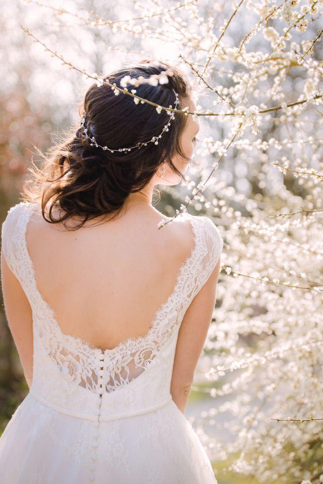 Credit: Sanne Popijus Fotografie - huwelijk (ritueel), bruid, natuur, mode, meisje, vrouw, portret, buitenshuis, model, volk, bloem (plant), jurk, zomer, bruids, mooi, winter, oog