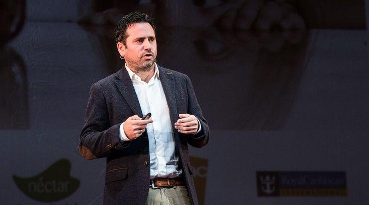Álvaro Bilbao, neuropsicólogo, nos ofrece cuatro ideas clave para enseñar a nuestros hijos a cuidar su cerebro, el órgano más importante. Así, nos asegura, estarán mejor preparados para la vida y serán más felices.
