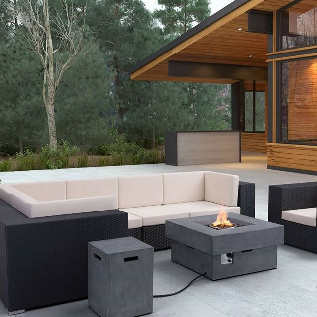 Us Canadians use patio heaters and firepits to extend our summers.  Who uses one to start the season early? #springdecor