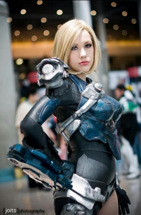 space suit cosplay girl - photo #6