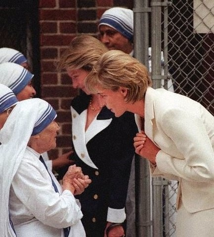 The meeting of two remarkable women, who died within one week of each other!  August 31, 1997, Princess Diana was killed in a car accident in Paris. She was only 36 years old.   On September 5, Mother Teresa of Calcutta died.