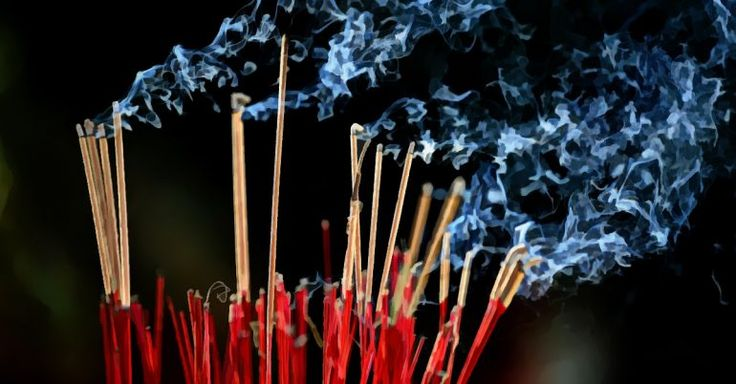 5 Benefits Of Burning Sandalwood Incense Sticks