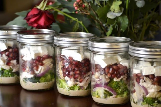 7 обалденных салатов, которые можно взять с собой