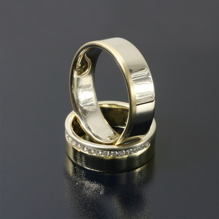 obrączki ślubne z żółtego i białego złota z 18 brylantami o średnicy 1,5 mm