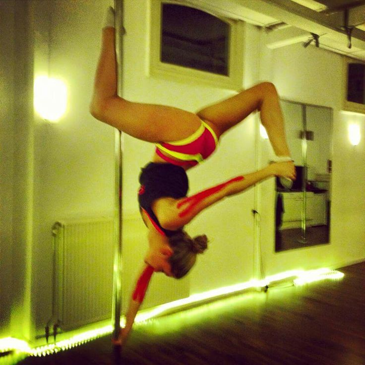 PDY - PoleMove - one hand butterfly