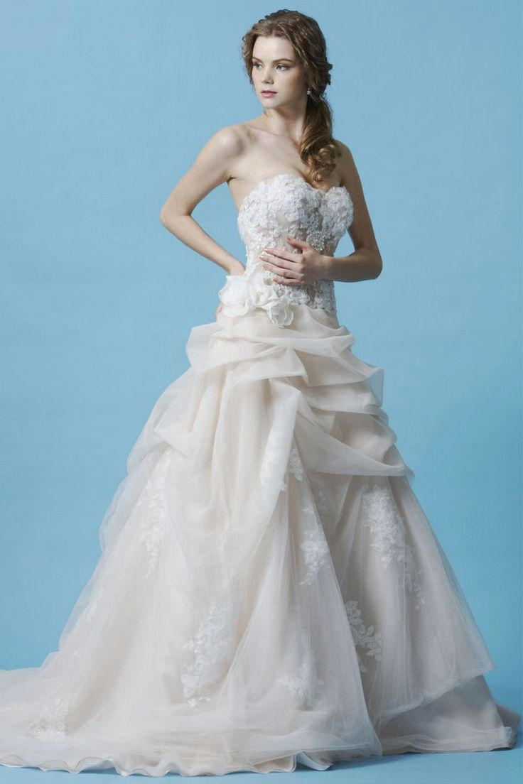 25 best wedding dresses images on Pinterest | Wedding dressses, Gown ...