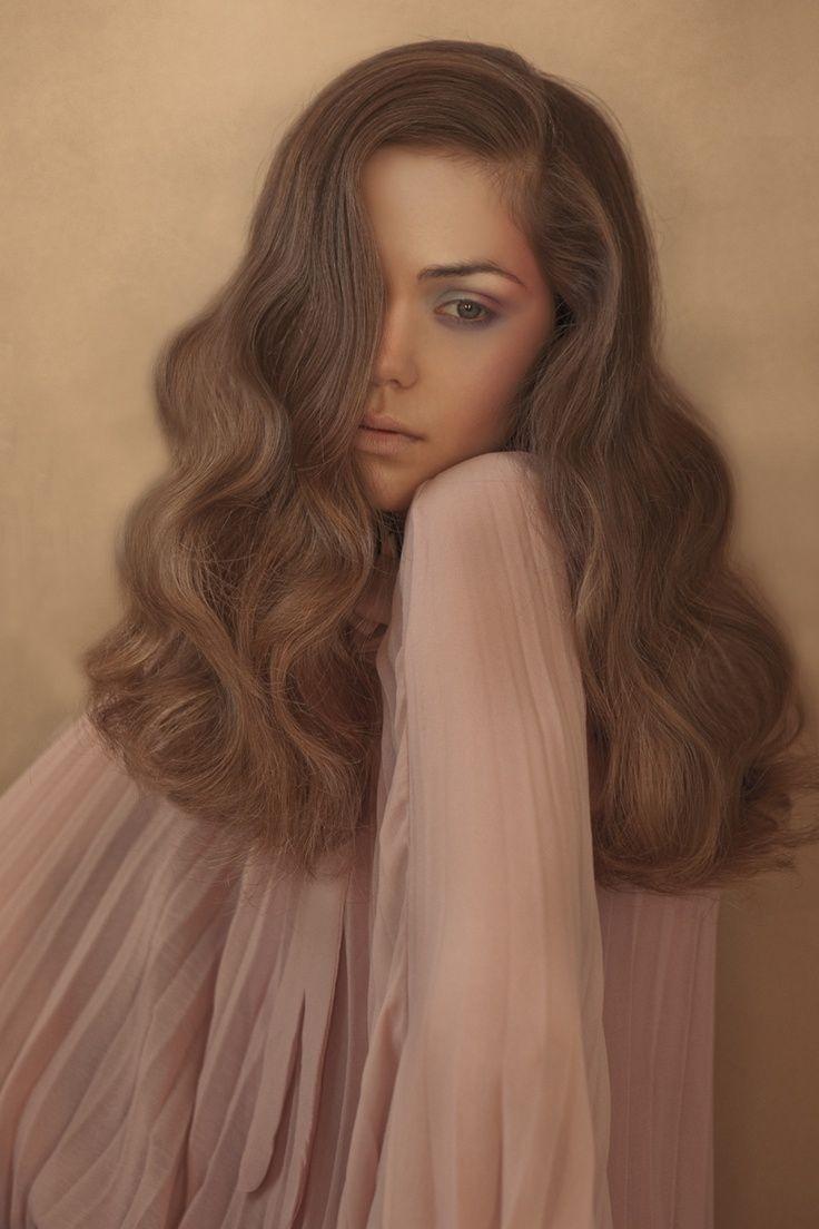Voluminous hairstyles for long hair - Voluminous Waves