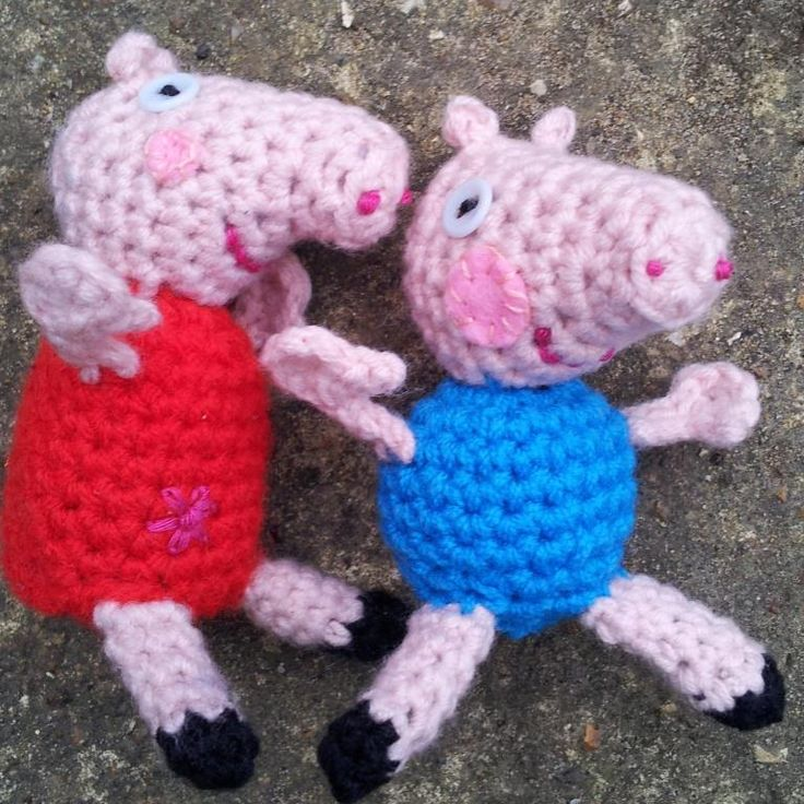 Little Peppa Pig Crochet Pattern. The girl would go crazy if I could manage this for her.