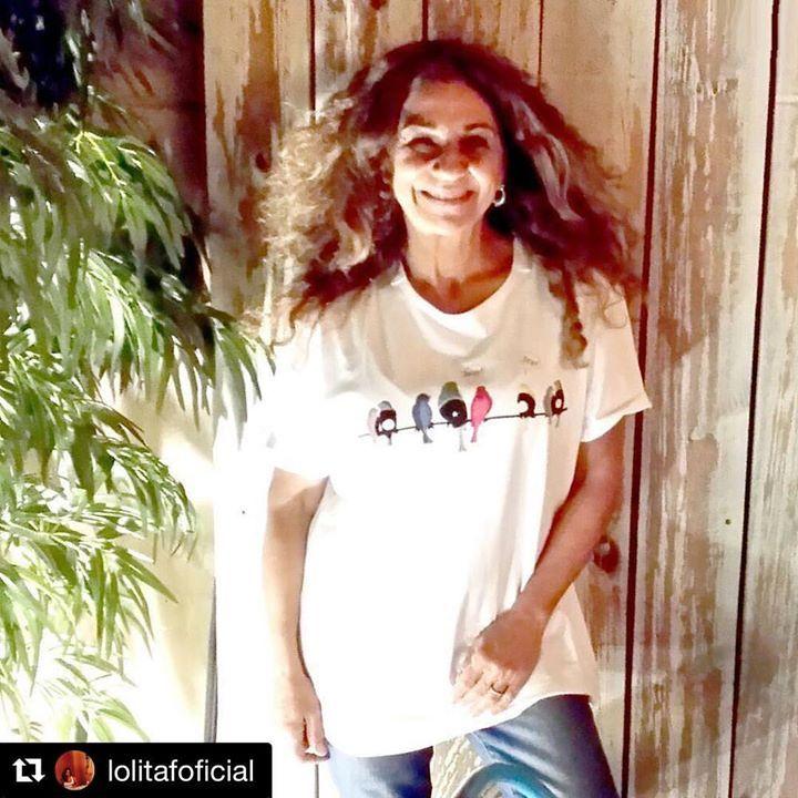 ¡Tú si que tienes arte @lolitafoficial! 🍀 Suerte con #PrefieroQueSeamosAmigos en el #TeatroLaLatina. Ya nos contarás el nombre que le has puesto a tus #VinylBirds 🐦 #teatro #comedia #LeFugu #LeFuguart #elartequellevaspuesto #casual #wear #camiseta #clothes #shop #Repost @lolitafoficial with @repostapp ・・・ #PrefieroQueSeamosAmigos#TeatroLaLatina de la mano de @nicogarciamartinez + Ensayo vespertino con@luismottola y @tamzintownsend pongo nombre a los pájaros de mi camiseta #art #wear de…