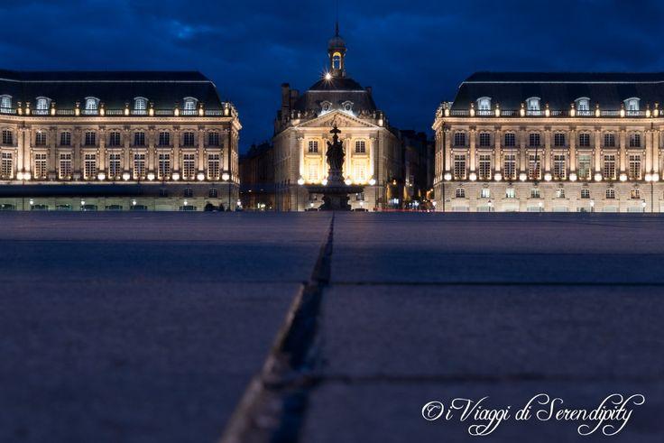 Piazza della Borsa Bordeaux in notturna