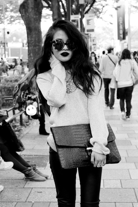 hair glasses love: Oversized Clutch, Fashion, Statement Necklaces, Style, Clothing, Clutches, Outfit, Leather Pants, Hair