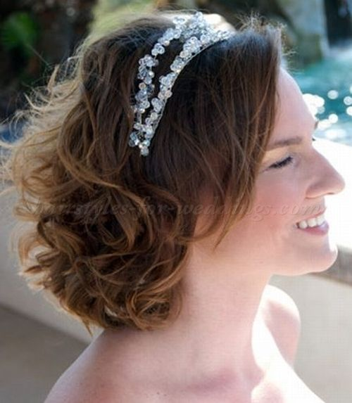 28 Best Wedding Hairstyles For Medium Length Hair Images