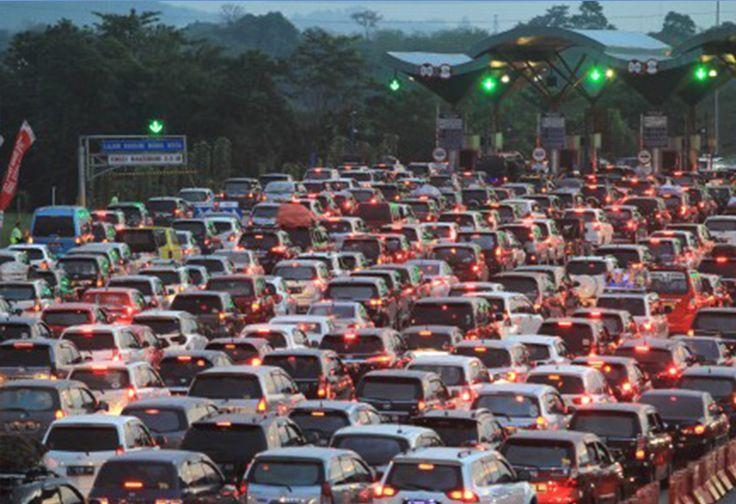 Hati-hati, Jalur Contra Flow di Tol Jakarta-Cikampek Diperpanjang