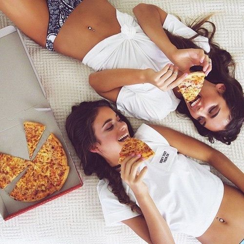 friendship goals | besties | pizza love | urban life | urban romantix | Fitz & H… – Larissa :)