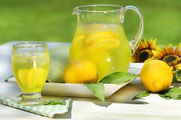 ΘΕΡΑΠΕΥΤΗΣ: ΔΕΝ ΘΑ ΠΙΣΤΕΥΕΤΕ ΤΙ ΕΚΑΝΕ! Με χυμό λεμονιού και μέλι….