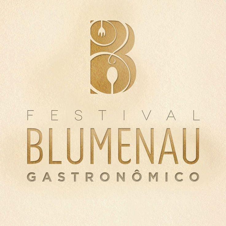 Tem post da Karina, nossa coordenadora de marketing e relacionamento, lá no http://guiadaoktober.com. O assunto: Blumenau Gastronômico. Vem ver! http://bit.ly/Blumenau-Gastronomico