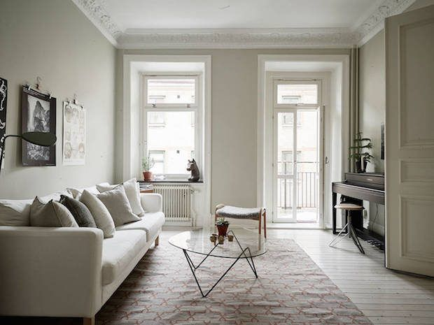 A Calm Swedish Home In Neutrals (and A Fab Fireplace) (my Scandinavian  Home). EthnoSchwedisch HomeWohnzimmer ...
