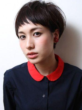 マニッシュなスタイルもかっこよくてかわいいラウンド前髪。印象をヘアカットで変える!イメチェン髪型アイデアの参考に♡