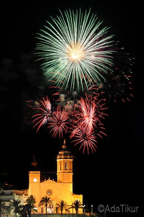 Festa Major Sitges (adatikur.com). Fuegos artificiales.