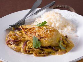 Intialaista kanaa pähkinäkastikkeessa