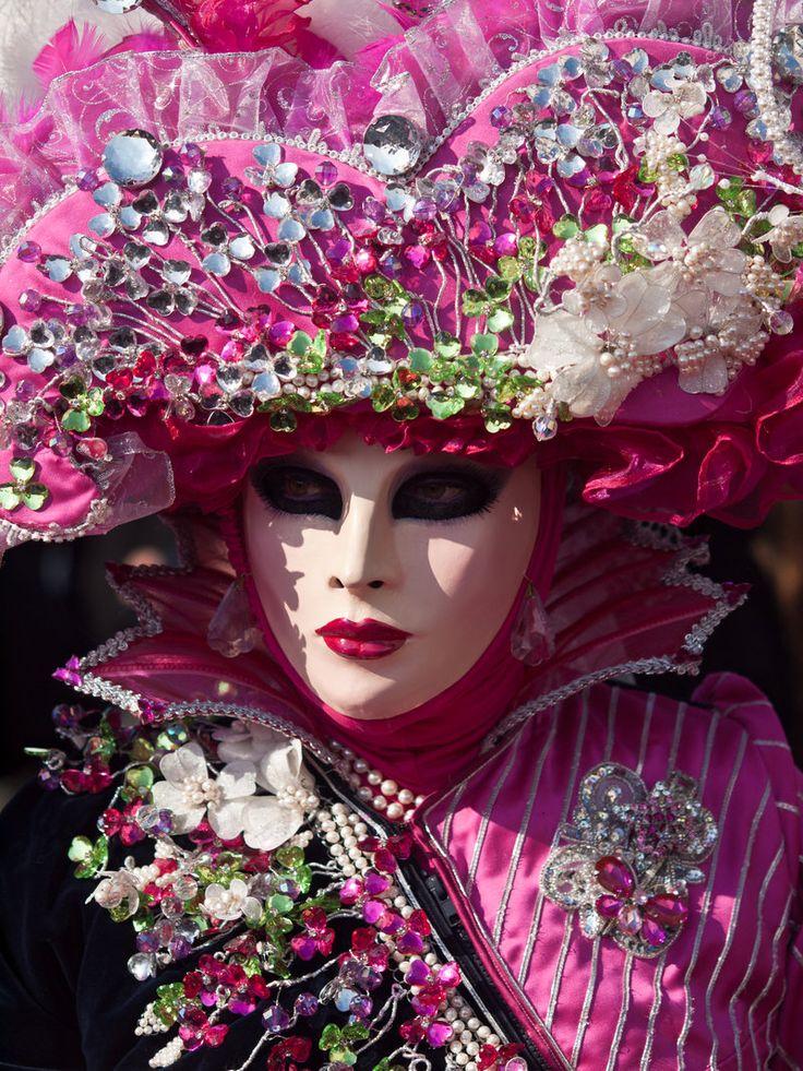 Jolis masques du Carnaval ... de Venise !