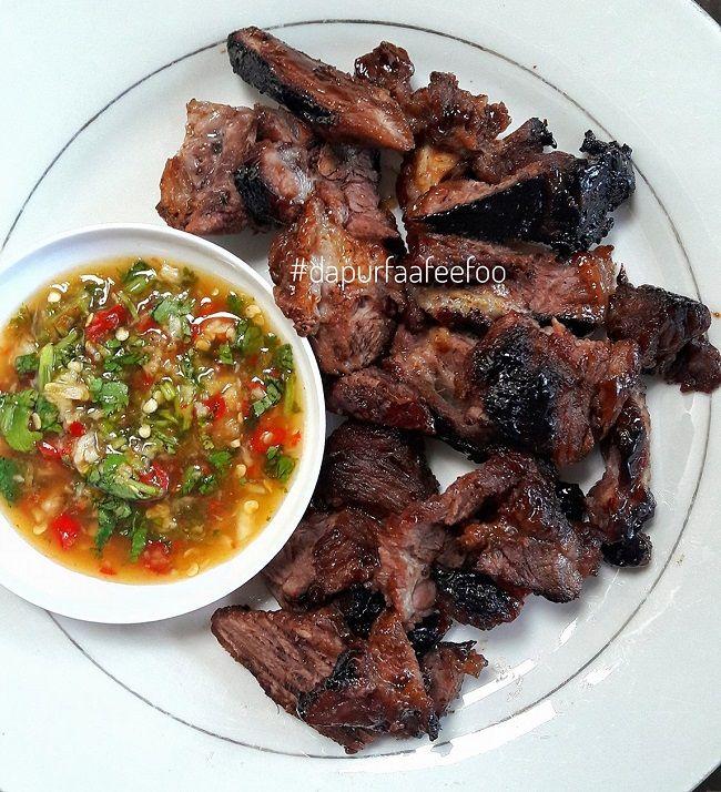 Happy Lunch Lama Teringin Makan Daging Bakar Ni Kebetulan Baru Dapat Resepi Air Asam Thai Dari Tukang Masak Siam Daging Bakar Resep Daging Sapi Makanan Pedas
