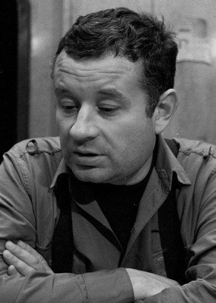 Mieczysław Czechowicz. http://film.wp.pl/idGallery,12687,idPhoto,361085,galeria.html