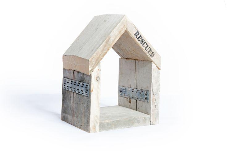 RESCUED! Huisje steigerhout