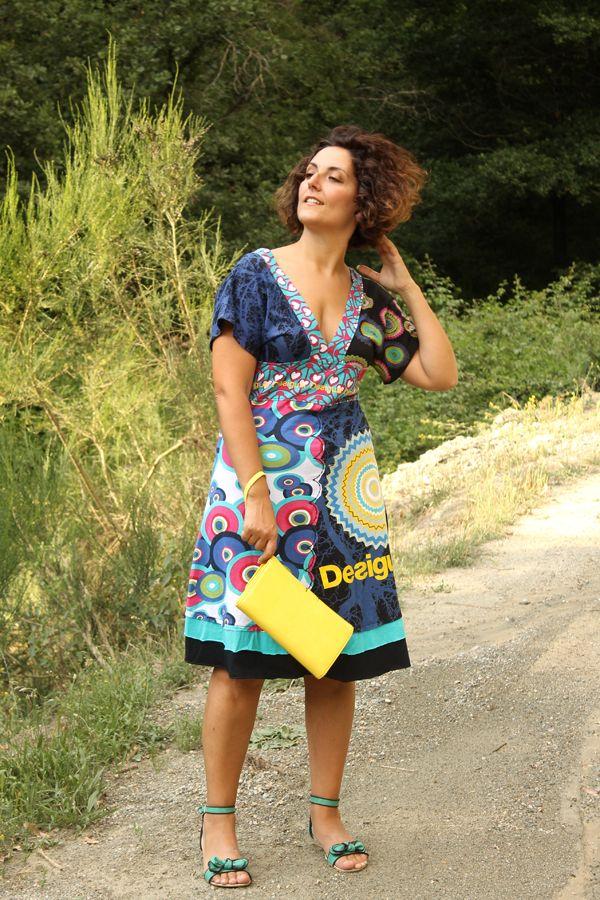 curvy girl dress, colorful dress, comfy dress, desigual dress, yellow clutch, curvy model, plus size fashion
