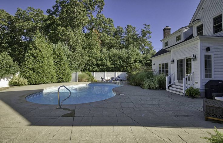 homes for sale with inground pools louisville ky