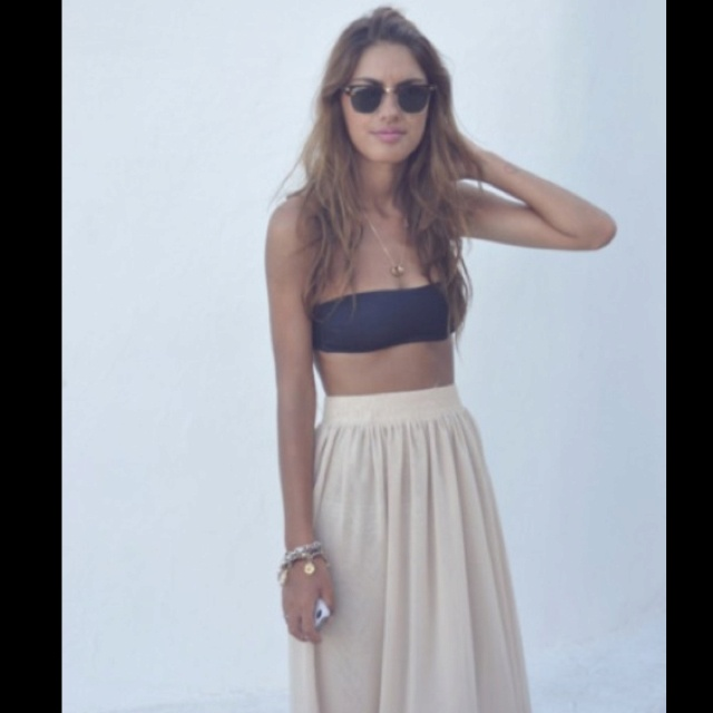 Fashion, Summer Looks, High Waist, Summer Outfit, Summer Style, Beach Style, Bandeau Tops, Long Skirts, Maxis Skirts