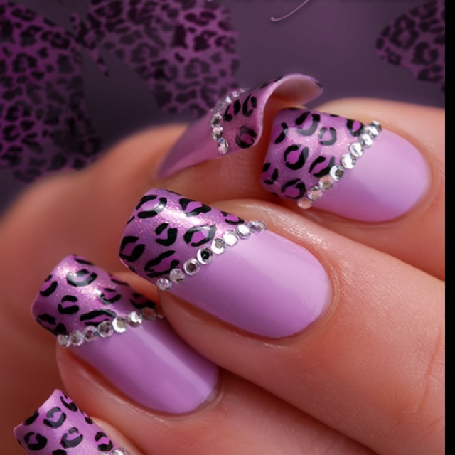 .would look awesome with zebra print, too <3