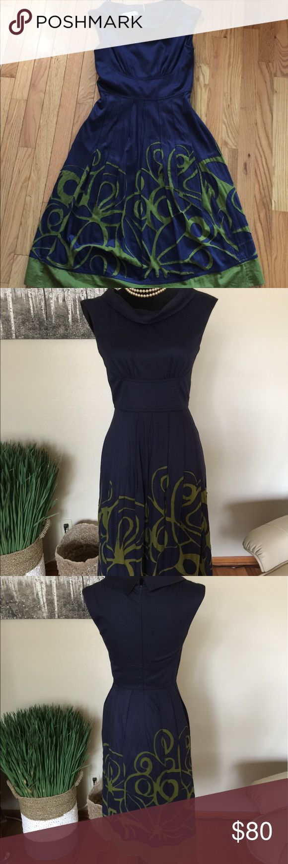 """Kay Unger Dress Lovely Navy and Green dress by Kay Unger. Design has a vintage look to it. Love the pop of green in the skirt. Sleeveless and fully lined. Pit to pit measures 15"""". Shoulder to hem measures 41"""". Color is Navy/Green. Size is 4. EUC. Kay Unger Dresses"""