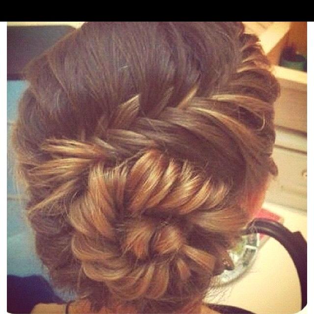 Krystal please do this for me? <3 [fish tail braid bun;)]