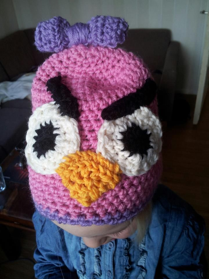 Girly Angrybird, crochet hat with bow