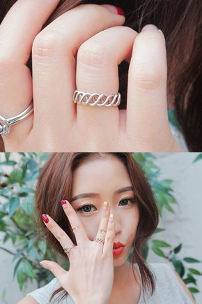 Today's Hot Pick :Twisted Silver Vintage Ring http://fashionstylep.com/SFSELFAA0033462/stylenandaen/out Complete your vintage ensemble with this simple yet stylish vintage ring. It features a chic intertwined band design with adjustable ring type.