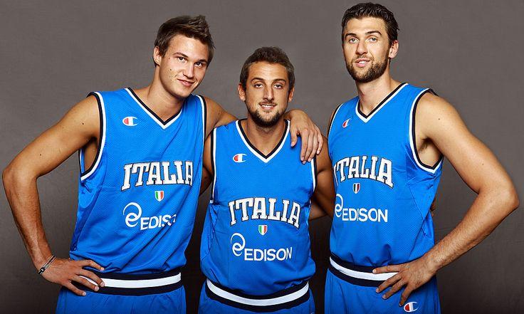 I tre moschettieri: gli azzurri in Nba. Gallo All Star - http://www.maidirecalcio.com/2015/11/09/i-tre-moschettieri-gli-azzurri-in-nba-gallo-all-star.html