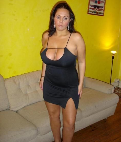 mom dresses sexy for dad