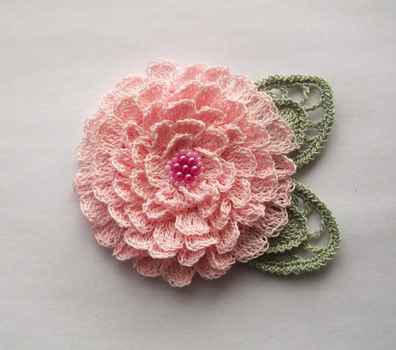 Crochet Flower Pin Patterns Free : 25+ best Crochet Brooch ideas on Pinterest Free crochet ...