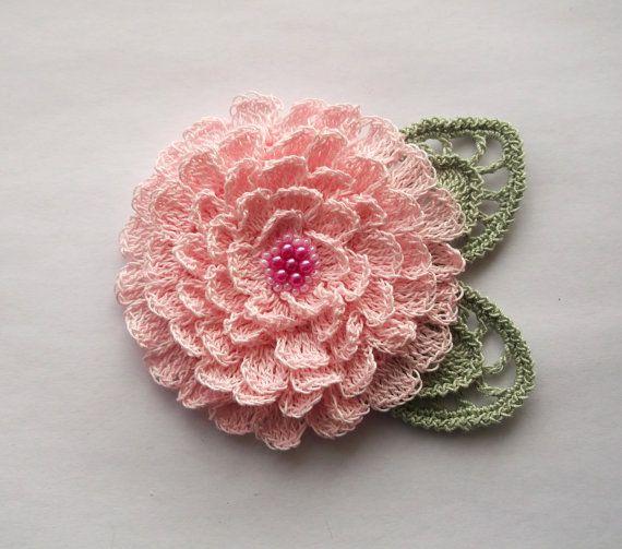 Crochet A Flower Brooch Pattern : 25+ best Crochet Brooch ideas on Pinterest Free crochet ...