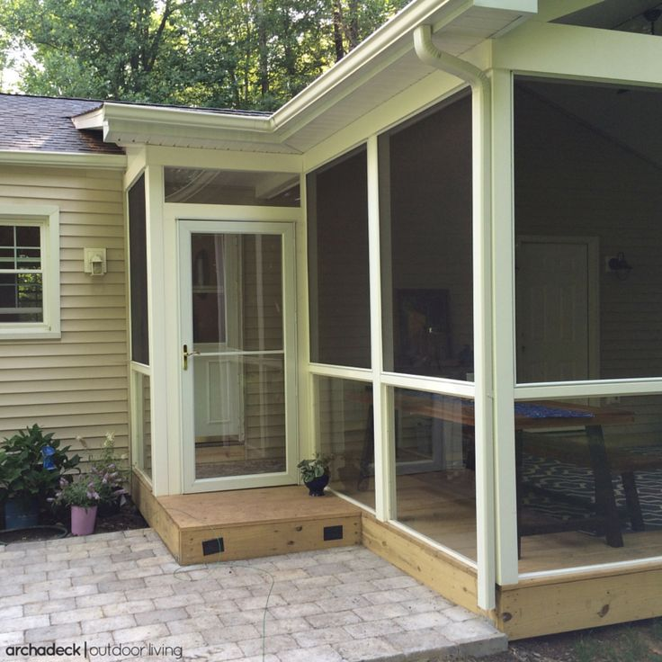 Screened In Platform Deck With Patio. | Screened In Deck Design Ideas |
