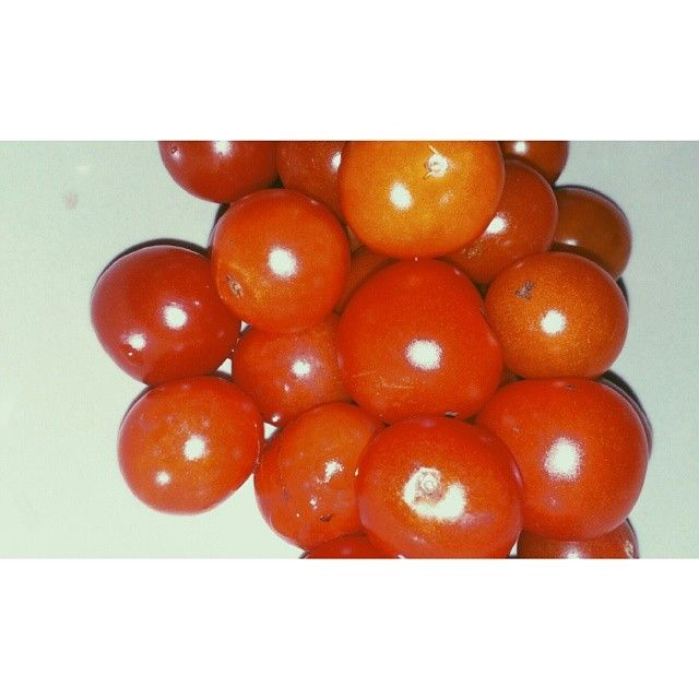 A bowl of happiness: fresh cherry tomatoes for healthy snack.