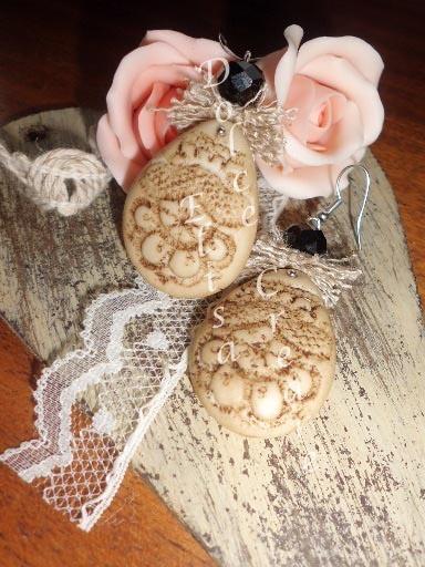 Orecchini stile Vintage - Shabby chic - Retrò in pasta di mais impressa a pizzo con juta naturale e perla sfacettata nera