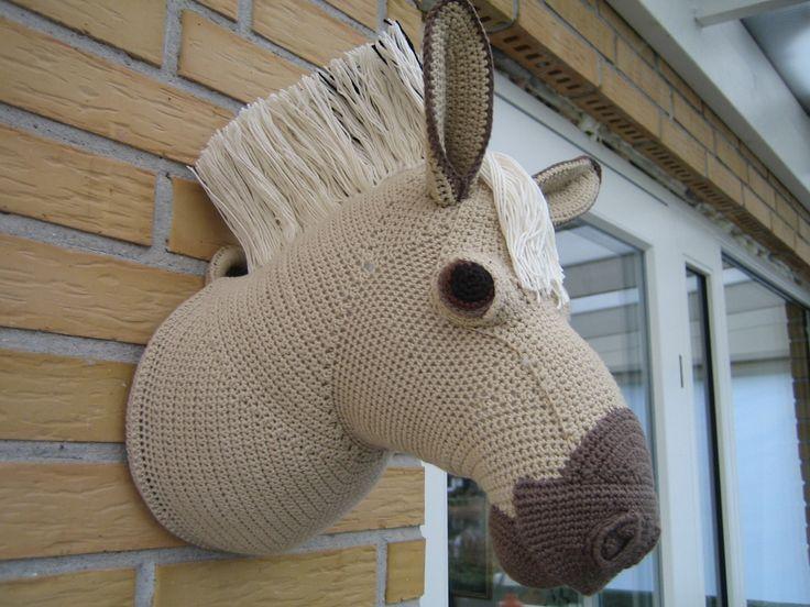 hæklet heste trofæ